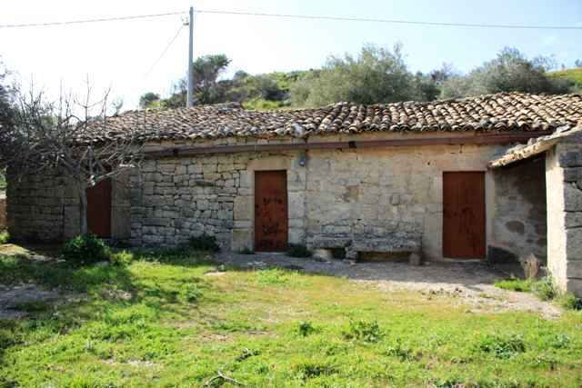 country house ragusa for sale